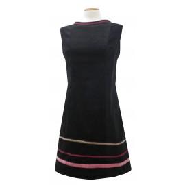 Vestido negro cintas
