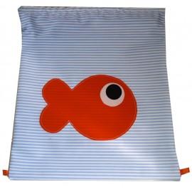 mochila pez naranja