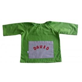 Babi verde bolsillo azul claro.